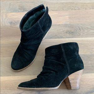 Splendid suede leather ankle booties